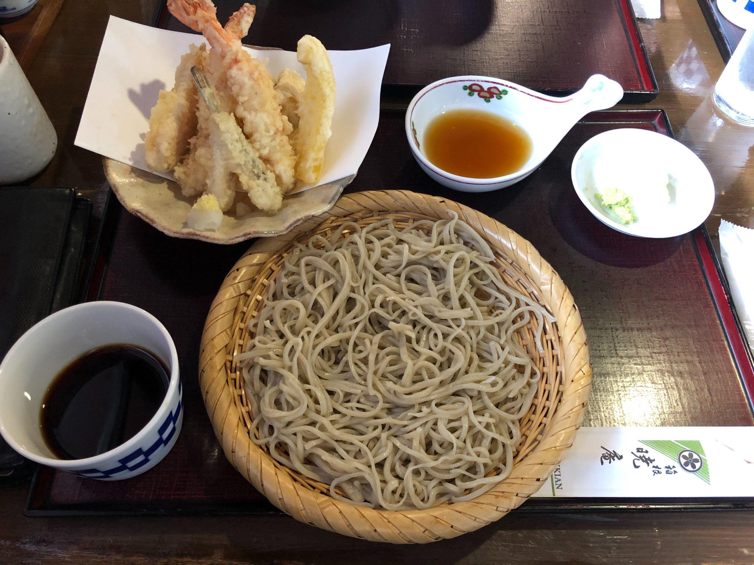 箱根暁庵箱根店のそばと天ぷらのセット